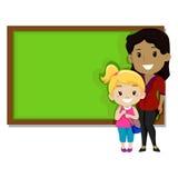 Student und Lehrer vor schwarzem Brett Lizenzfreie Stockbilder