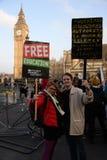 """Studentdemonstration för fri utbildnings†""""inga snitt, inga avgifter, n Royaltyfri Bild"""