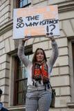 """Studentdemonstration för fri utbildnings†""""inga snitt, inga avgifter, n Royaltyfri Foto"""
