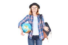 Studente che posa con il globo Immagine Stock Libera da Diritti