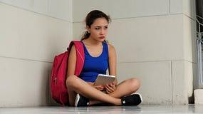 Studente confuso Attractive Female Fotografie Stock Libere da Diritti