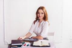 Studente della ragazza per prepararsi Il concetto dell'affare, lavori, Fotografia Stock Libera da Diritti