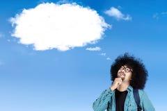 Studente di afro con il fumetto della nuvola Fotografia Stock
