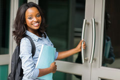 Studente di college femminile africano Fotografie Stock Libere da Diritti