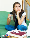 Studente di college femminile depresso Fotografie Stock Libere da Diritti