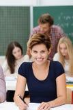 Studente di college femminile felice sicuro Immagini Stock
