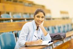 Studente di college indiano femminile Fotografia Stock Libera da Diritti