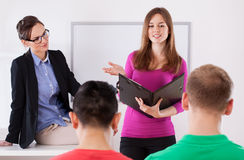 Studente durante la presentazione Fotografie Stock Libere da Diritti