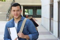 Studente etnico d'avanguardia che si dirige all'università con lo spazio della copia Immagine Stock Libera da Diritti