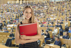 Studente nel corridoio di conferenza Fotografia Stock Libera da Diritti