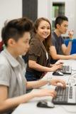 Studente nell'computer-aula Fotografia Stock Libera da Diritti