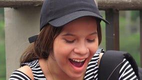 Studente teenager femminile stanco Yawning Fotografia Stock Libera da Diritti