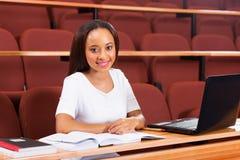 Studente universitario femminile africano Immagini Stock Libere da Diritti