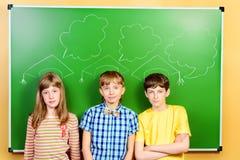Studenten bij klaslokaal Stock Fotografie