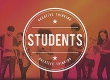 Studenten-Bildungs-Schule, die Konzept studierend lernt stockbilder