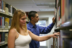 Studenten in de Bibliotheek Stock Afbeelding