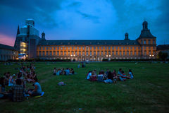 Studenten der Universität in Bonn stockbilder