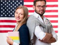 Studenten lernt Englisch als Fremdsprache Amerikanische Flagge lizenzfreie stockfotos