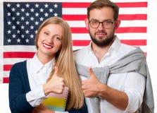 Studenten lernt Englisch als Fremdsprache Amerikanische Flagge stockfotos