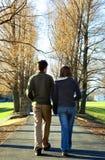 Studenten op campus stock foto's