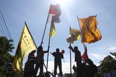 Studenten verlangen die Regierung, um den Preis des Öls zu verringern stockfoto