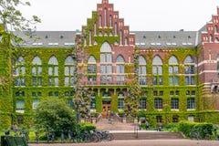 Studenten vor Universitätsbibliothek Lund Schweden Lizenzfreie Stockbilder