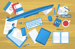 Studentenarbeitstabelle flach Lizenzfreie Stockbilder