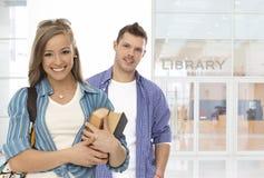 Studentenfront der Bibliothek Stockfotografie