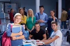 Studentengruppestudie lizenzfreie stockbilder