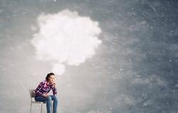 Studentenmeisje en haar ideeën Stock Foto's