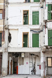Studentens hem som förstörs av en jordskalv i L'Aquila i Abr Arkivfoto