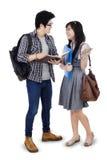 Studenter i konversation Royaltyfri Foto