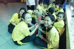 Studenter lär vetenskap Arkivbild