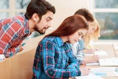 Studenter på grupper arkivbilder