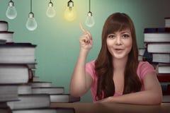 Studentessa asiatica che ha idea Immagine Stock