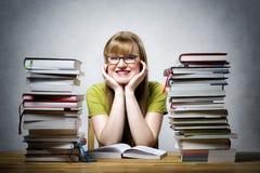 Studentessa felice con i libri Immagine Stock