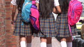 Studentesse teenager con gli zainhi Fotografia Stock Libera da Diritti