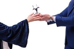 Studenthäleridiplomet efter avläggande av examen Arkivbilder