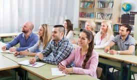 Studenti ai corsi di estensione Immagini Stock Libere da Diritti