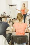 Studenti in aula che imparano l'inglese Fotografia Stock