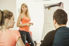 Studenti in aula che imparano l'inglese Fotografia Stock Libera da Diritti