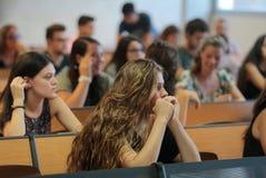 Studenti in aula durante il loro esame finale di estate Immagine Stock Libera da Diritti