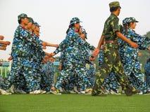 Studenti che fanno il loro addestramento militare in Cina Fotografia Stock