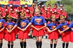 Studenti della scuola elementare di Sports della ragazza pon pon Immagine Stock Libera da Diritti