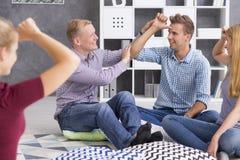 Studenti di linguaggio dei segni durante la lezione Fotografie Stock