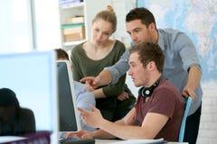 Studenti di progettazione digitale nel corso di formazione Fotografie Stock Libere da Diritti