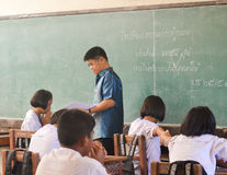 Studenti ed insegnante nell'aula Fotografia Stock Libera da Diritti