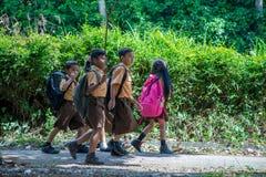 Studenti indonesiani della scuola elementare Immagini Stock