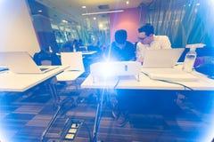 studenti nell'aula di informatica Immagine Stock