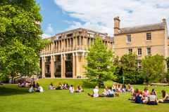 Studenti nell'istituto universitario di Balliol Oxford, Inghilterra Fotografie Stock